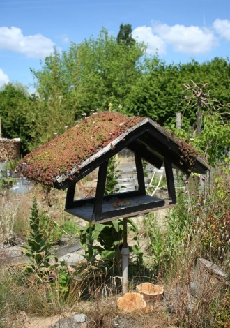 vogelhuis in ateliertuin